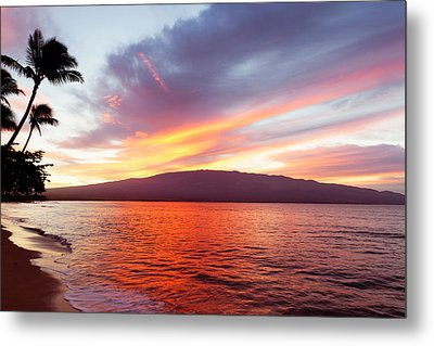 Sunrise At Ma'alaea Maui Metal Print