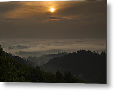 Sunrise At Panorama Hill Metal Print by Ng Hock How