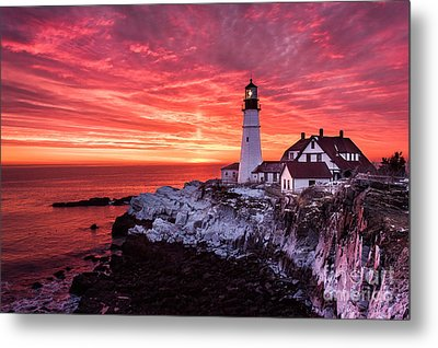 Sunrise At Portland Head Lighthouse Metal Print by Benjamin Williamson