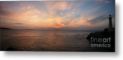 Metal Print featuring the photograph Sunrise At Portland Headlight by David Bishop
