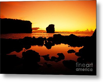 Sunrise At Puu Pehe Metal Print by Ron Dahlquist - Printscapes