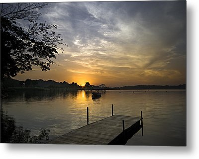 Sunrise At The Reservoir Metal Print by Ng Hock How