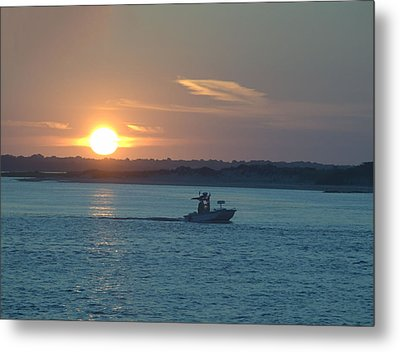Sunrise Bassing Metal Print by  Newwwman