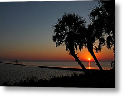 Metal Print featuring the photograph Sunrise On Pleasure Island by Judy Vincent