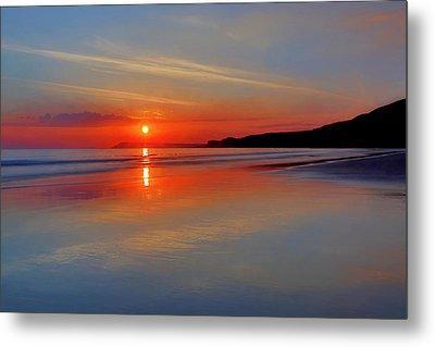 Sunrise On The Coast Metal Print by Roy McPeak