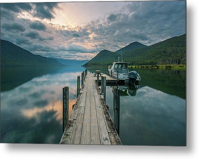 Sunrise Over Lake Rotoroa Metal Print