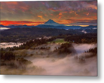 Sunrise Over Mount Hood And Sandy River Valley Metal Print by David Gn
