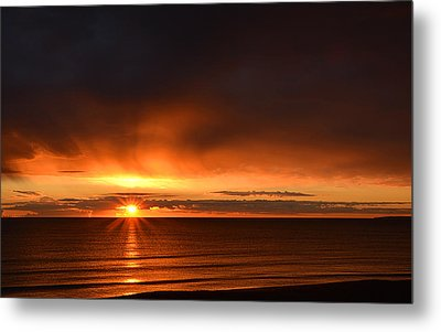 Sunrise Rays Metal Print