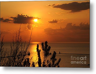 Sunset At Lake Huron Metal Print by Joe  Ng