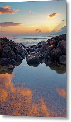 Metal Print featuring the photograph Sunset In Maui by Francesco Emanuele Carucci