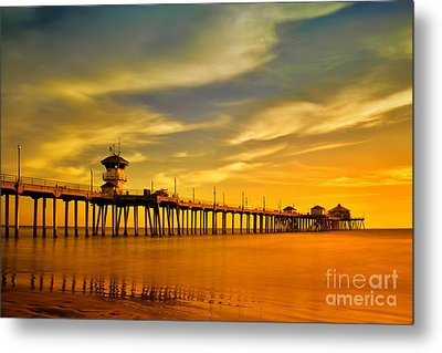 Sunset Over Huntington Beach Pier Metal Print by Peter Dang
