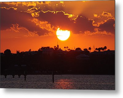 Metal Print featuring the photograph Sunset Over Jensen by Don Youngclaus