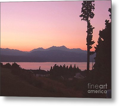 Sunset Over The Hood Canal In Washington State Metal Print by Terri Thompson