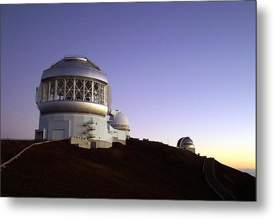 Sunset Over The Mauna Kea Observatories On Kona Metal Print