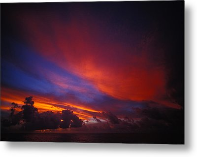 Sunset Over The Ocean Metal Print by Nick Norman