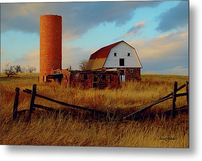 Metal Print featuring the photograph Sunset Silo Barn by Stephen  Johnson