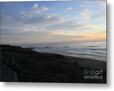 Sunset Surf Metal Print by Linda Woods