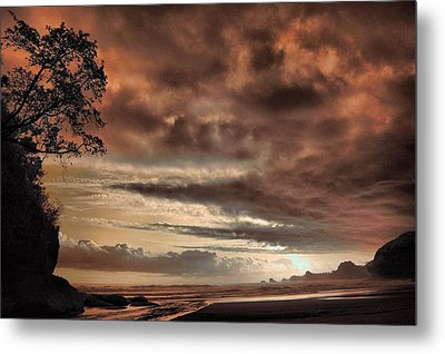 sunset Trip Metal Print by Mario Bennet