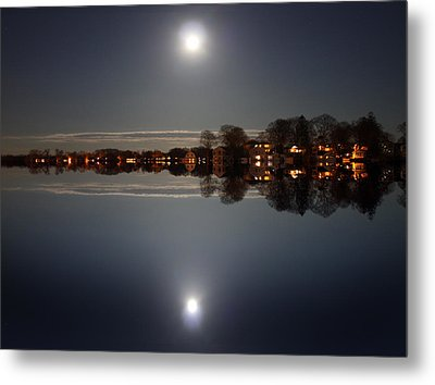 super moon night   Connecticut  Metal Print by Mark Ashkenazi