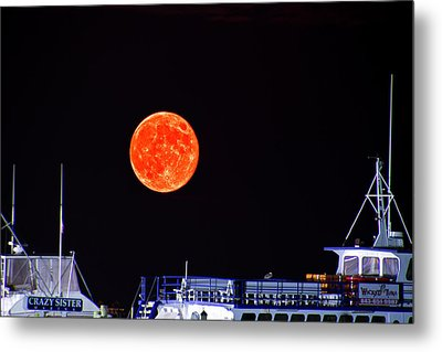 Metal Print featuring the photograph Super Moon Over Crazy Sister Marina by Bill Barber