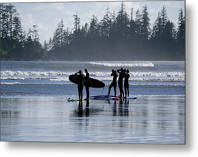 Surfers Suiting Up Metal Print
