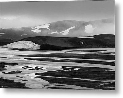 Svartikrokur Flood Plain Iceland 1474 Metal Print by Bob Neiman