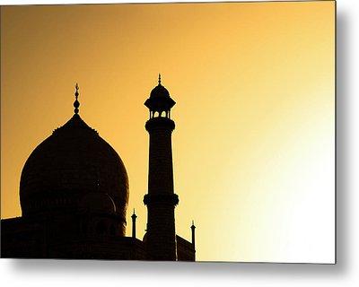Taj Mahal At Sunset Metal Print by Kokkai Ng