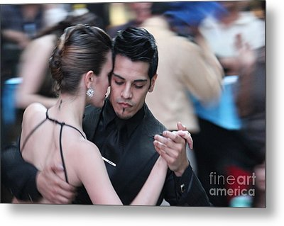 Metal Print featuring the photograph Tango by Wilko Van de Kamp