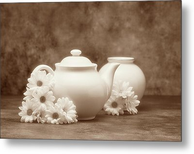 Teapot With Daisies I Metal Print