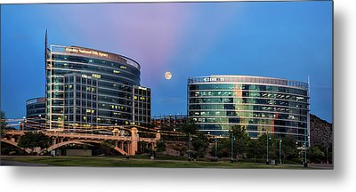 Metal Print featuring the photograph Tempe Town Lake Moon Rise by Dave Dilli