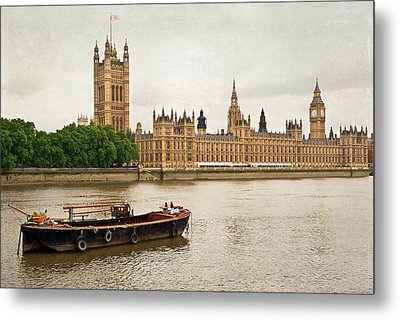 Metal Print featuring the photograph Thames by Keith Armstrong