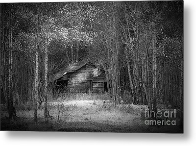 That Old Barn-bw Metal Print by Marvin Spates