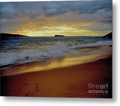 The Aura Of Molokini Metal Print by Victor K