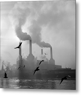 The Big Smoke Metal Print by Central Press