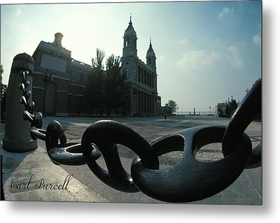 The Chain In Spain Metal Print by Carl Purcell