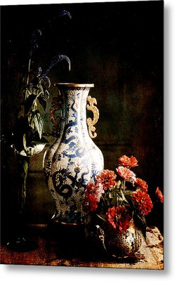 The Chinese Vase Metal Print by Sarah Vernon