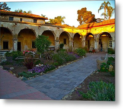 The Dormitory And Serra Chapel Viewed From The Central Courtyard Mission San Juan Capistrano Ca Metal Print by Karon Melillo DeVega