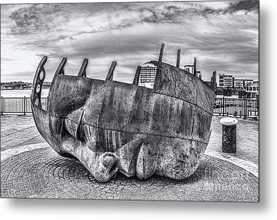 The Face Of The Bay Mono Metal Print by Steve Purnell