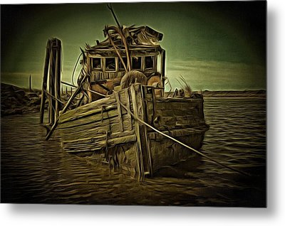 Metal Print featuring the photograph Mary D. Hume Shipwreak by Thom Zehrfeld