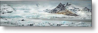 The Fjallajokull Glacier And Ice Lagoon. Metal Print by Andy Astbury