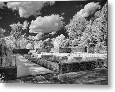 The Gardens In Ir Metal Print by Michael McGowan