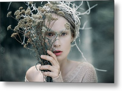 The Glance. Prickle Tenderness Metal Print by Inna Mosina