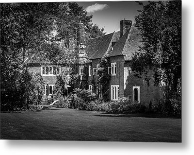 Metal Print featuring the photograph The House At Beech Court Gardens by Ryan Photography