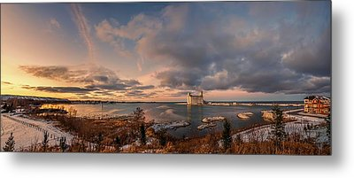 The Last Ice On The Bay Metal Print by Jeff S PhotoArt