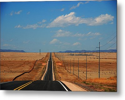The Long Road To Santa Fe Metal Print by Susanne Van Hulst