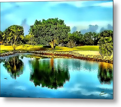 Metal Print featuring the photograph The Love Of Golf by Kathy Tarochione