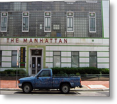 The Manhattan Metal Print by Sean Owens