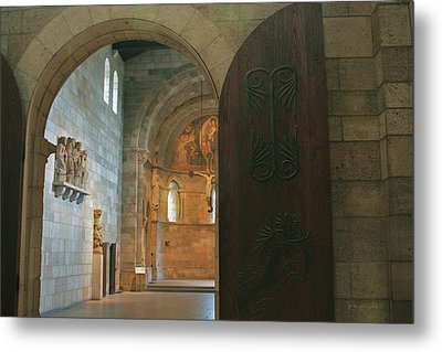An Early Morning At The Medieval Abbey Metal Print by Yvonne Wright