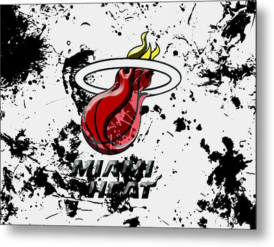 The Miami Heat 1c Metal Print by Brian Reaves