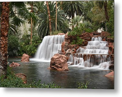 Metal Print featuring the photograph The Mirage Las Vegas by Dung Ma